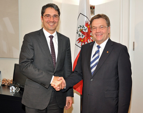 Günther Platter begrüßt Arno Kompatscher bei seinem Antrittsbesuch im Innsbrucker Landhaus