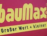 Baumax-Schild