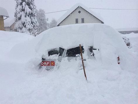 ORF Auto schneebedeckt