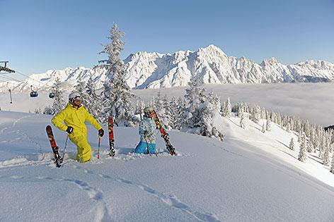 Saalfelden-Leogang Winter Tourismus Skifahren Tiefschnee Panorama