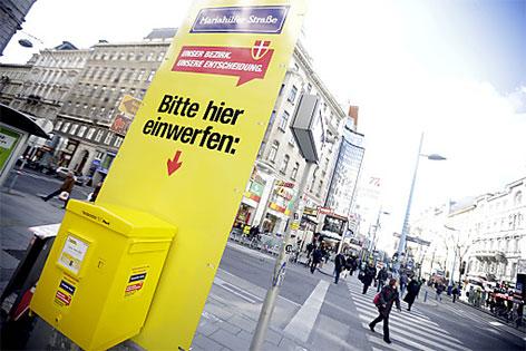 Infosäule auf der Mariahilfer Straße