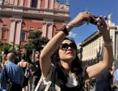 turizem turisti počitnice mesto fotografiranje