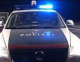 Polizeiauto nachts Blaulicht