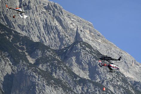 Hubschrauber Waldbrand