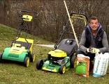 Karl Ploberger mit Rasenmäher im Fernsehgarten