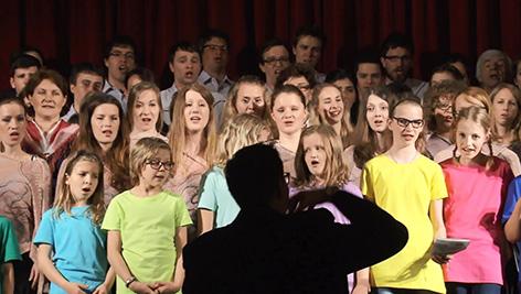 PD Lipa 40 let jubilejni vigredni koncert lipov cvet Hudl Dominik Velikovec zbor