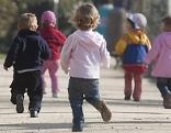 Mehrere kleine Kinder