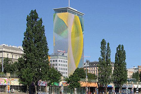 Animation der Verhüllung des Ringturms durch Arnulf Rainer