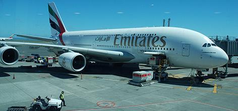 Airbus A 380 von Emirates Airlines in Auckland Neuseeland