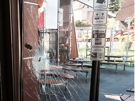 Raubüberfall Klagenfurt Imbisskette Angestellte verletzt MacDonalds