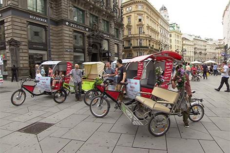 fahrradtaxis auf dem Stephansplatz
