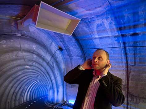 Tunnelsicherheit Ohren Signal