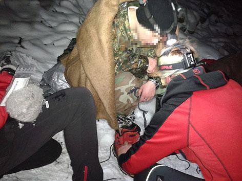 Bergrettung hilft Halbschuhtourist in Bergnot