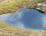 Bergsee in Herzform