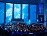 ORF Radiosymphonieorchester im Konzerthaus vor großer Filmleinwand