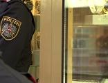 Polizist nach Überfall auf Juweliergeschäft in der Meidlinger Hauptstraße