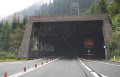Einfahrt in Arlberg Tunnel