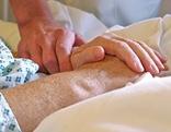 Hände einer Patientin