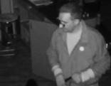 Einbrecher auf Überwachungskamera