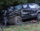 Tödlicher Unfall bei Raststätte Angath; Wrack und Bergung