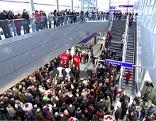 Bilder von der Eröffnung des Bahnhofs in Attnang-Puchheim