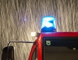 Blaulicht Regen Feuerwehr Feuerwehrauto