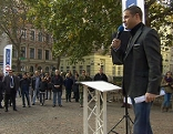 FPÖ-Klubobmann Johann  Gudenus bei Demonstration in Alsergrund