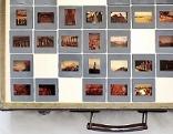 Koffer mit Bildern