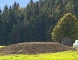 Künstlicher Hügel in Vomperberg