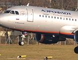 Aeroflot-Flugzeug setzt auf Piste auf