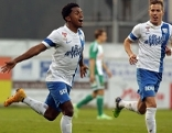 Yordy Reyna vom SV Scholz Grödig jubelt über sein Tor gegen den SK Rapid Wien