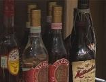 Hochprozentiger Alkohol in Flaschen