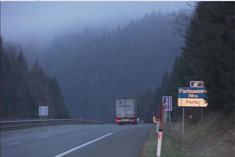 Autobahnabschnitt bei Flachau, wo die geplante Schwebebahn darüber führen soll