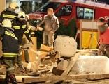 Bauarbeiter in Grube verschüttet