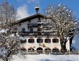 Gasthof im Winter von außen