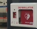 Erster öffentlicher Defibrillator