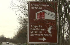 Frauenmuseum, Autobahn