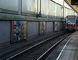 U6-Garnitur in U-Bahn-Station Michelbeuern