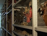 Statuen im Depot im Salzburg Museum