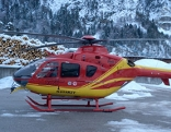 Hubschrauber am Werksgelände von Holz Pfeifer
