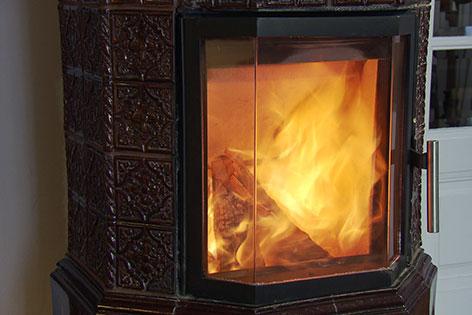 kachelofen nachr sten klimaanlage zu hause. Black Bedroom Furniture Sets. Home Design Ideas