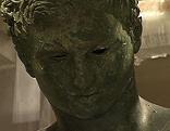 Ephesos-Statue vor Transport