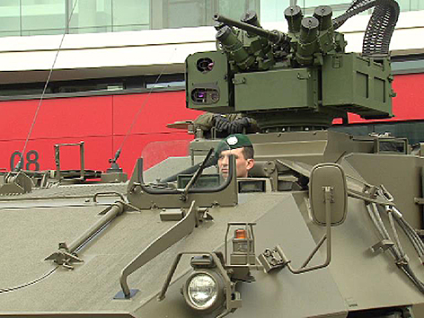 Übergabe neue Pandur-Panzer