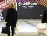 Logos bzw. Werbebanner für den Eurovision Song Contest aufgenommen am Freitag, 6. März 2015, am Hauptbahnhof