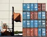 Stapler und Container