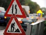 Verkehrsschild Baustelle Auto Verkehr