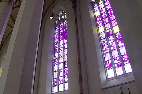 Glasfenster im Pongauer Dom in St. Johann