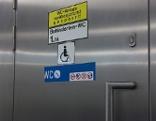 Versperrtes barrierefreies WC der Wiener Linien / U2 Taborstraße