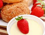 Joghurt, Erdbeere, Weckerl