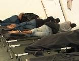 Flüchtlinge Notquartier Asylwerber Nothilfe Asyl Zelte